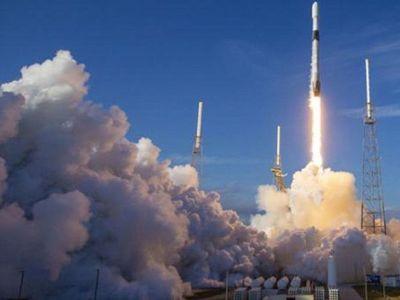 """China considera muy """"improbable"""" que restos del cohete causen daños"""