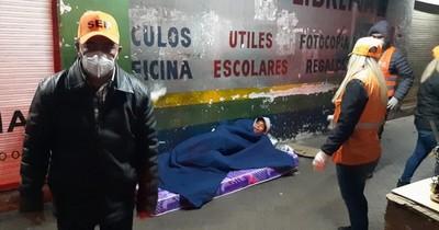 La Nación / Unas 80 personas en situación de calle fueron asistidas en noche fría