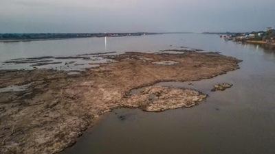 Empiezan a transportar la soja vía terrestre debido a bajante del río