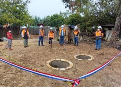 Inauguran en Horqueta viviendas de familias reasentadas por obras del MOPC