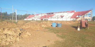 """Obras en el estadio que """"Trato apu'a"""" prometió están totalmente abandonadas"""
