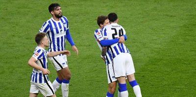 Versus / Con Alderete de titular, Hertha Berlín golea y se aferra a la permanencia