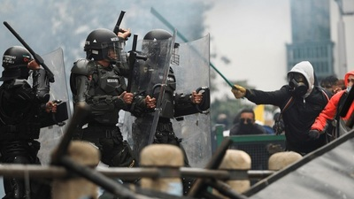 Colombia: Fiscalía y Defensoría del Pueblo aseguran que son 26 los muertos durante protestas (VIDEO)