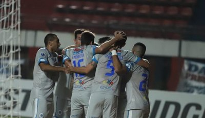 Versus / ¿Cómo quedaron los equipos coperos paraguayos luego de una semana difícil?