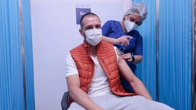 Olimpia se suma a la campaña de inmunización