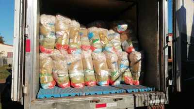 Al fin inicia entrega de kits de víveres en escuelas