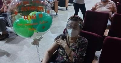La Nación / COVID-19: Concepción ya inmunizó a todos los adultos de 75 años del departamento