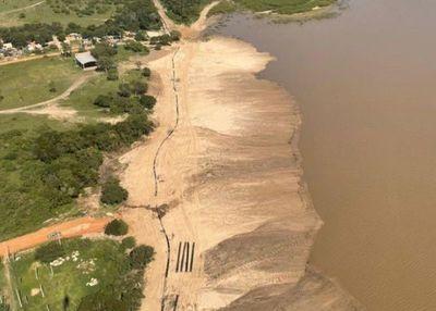 Continúan los trabajos de refulado en la futura defensa costera de Pilar