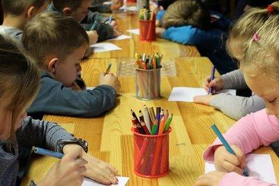 Francia prohibió lenguaje inclusivo por considerarlo un obstáculo para el aprendizaje