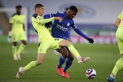 Newcastle, con Almirón, golea al Leicester