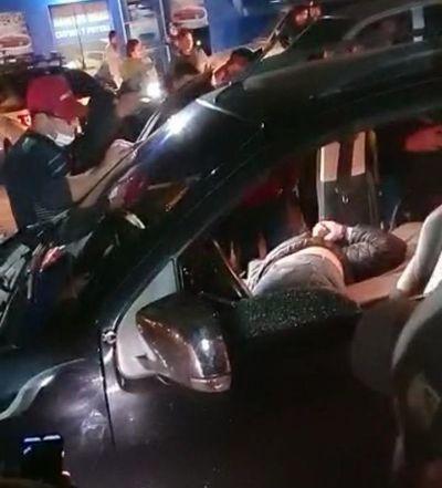 Sicarios asesinan a un joven brasileño en el barrio San  Antonio