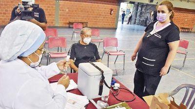 De 518 casos denunciados, Salud confirma 88 vacunaciones vip