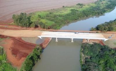 Puente que unirá a Minga y Los Cedrales está en etapa final
