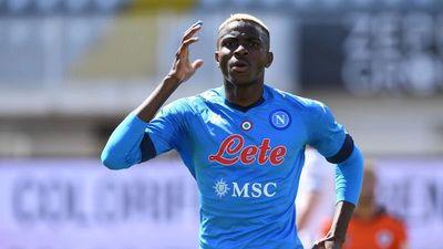 El Napoli mete presión al duelo Juventus-Milan