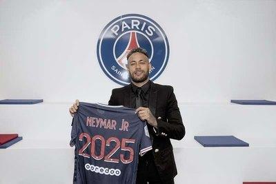 Neymar renueva contrato con el PSG