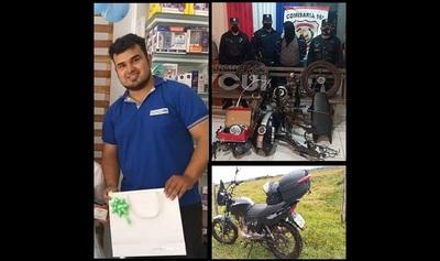 """A bombero que trabaja como """"delivery"""" le robaron su moto. La recuperó en 24 horas… ¡toda desarmada!"""