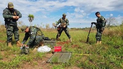 Explosivistas destruyen pistas del narcotráfico eb Concepción