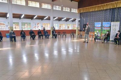CDE: Socializan plan de transformación educativa durante encuentro con ministro