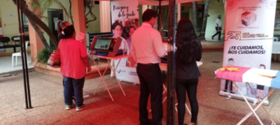 Socializan con máquinas de votación en sitios de carácter público