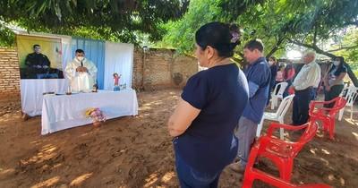 La Nación / Concepción: con una misa, los padres de Edelio Morínigo recordaron su cumpleaños 32