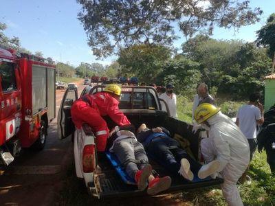 Un fallecido y dos heridos tras vuelco de vehículo en Carapeguá