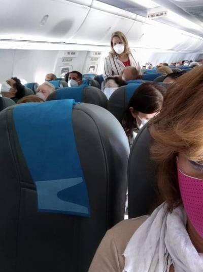 Escracharon a la senadora Lilian Samaniego en un vuelo con destino a Buenos Aires