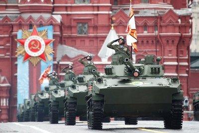 Vladimir Putin desplegó su poderío militar en el Día de la Victoria