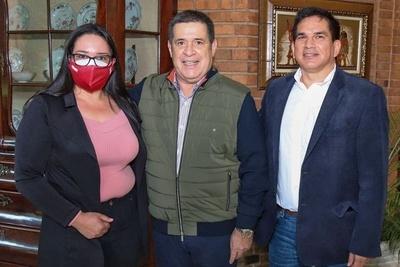 Vacunación irregular salpica a candidata a intendenta de Ybytymí