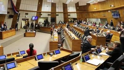 """Senadores escucharán a ministros que justificarán disposiciones del proyecto de """"Ley Garrote"""""""