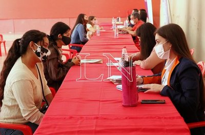Oficina de Empleo de la ANR lanza calendario de Oportunidades Laborales para mujeres jefas de hogar