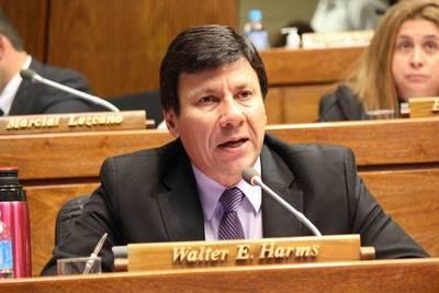 Harms dice que no hay elementos para afirmar que China coaccionó a Paraguay para adquirir vacunas