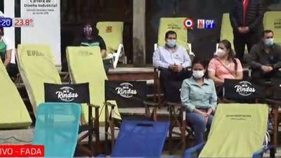 """""""No te rindas"""": el mensaje de estudiantes que donan sillones"""