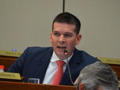 Sergio Godoy sostiene que el ejecutivo debe retirar su proyecto de ley · Radio Monumental 1080 AM