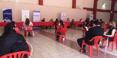 Organizan feria de empleos para las mamás por el mes de la patria y la madre