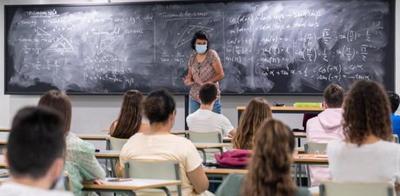 AEDE solicita agilizar vacunación anticovid a profesores para retorno a presencialidad