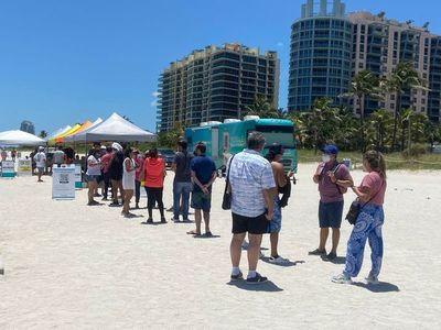 Turismo de vacunas: éxodo masivo de paraguayos a Miami