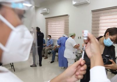 Trabajadores podrán tener licencia para ir a vacunarse contra el Covid-19