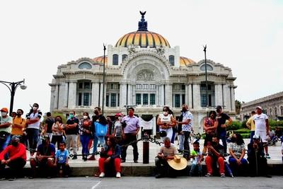 Ciudad de México se reactiva con optimismo por menor riesgo y Día de la Madre