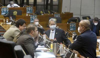 Oposición afuera: Colorados copan comisión para renegociar Itaipú