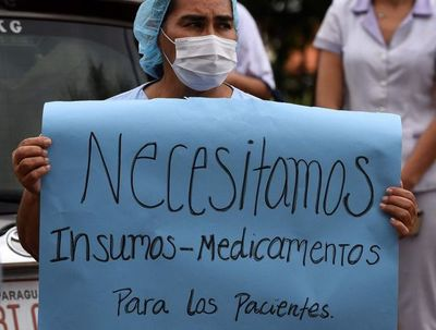 "Enfermeros anuncian ""gran marcha"" para mañana"