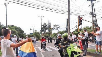 No logran pacto en Colombia y se convoca a otra huelga para mañana