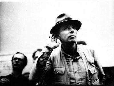 Beuys, a un día del centenario