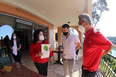 Senatur otorga el sello Safe Travels a hotel de Alto Paraná