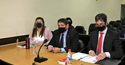 La Nación / Caso Ronaldinho: acusan y piden juicio para 14 personas del esquema criminal