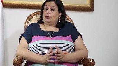 Cuando hablábamos de hipocresía… llegó Esperanza Martínez