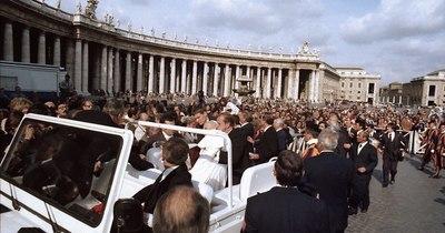 La Nación / Hace 40 años, Mehmet Ali Agca disparó contra Juan Pablo II