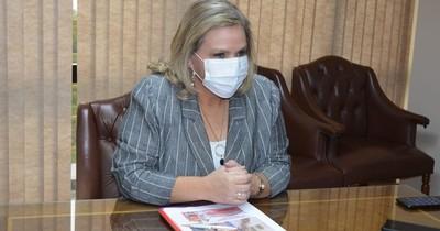 La Nación / Lilian Samaniego minimizó escrache en su boda, e ironizó la cobertura mediática