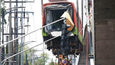 """Prometen investigación """"robusta"""" del accidente en el metro de México"""