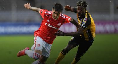 Táchira sorprende a Inter y comprime el Grupo B