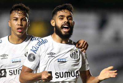 Santos enciende el tramo final del grupo C